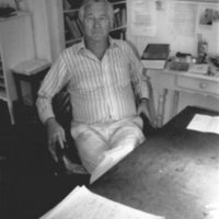 Bill_Styron_in_his_West_Chop_writing_room_on_Martha's_Vineyard_-_August_1989.jpg